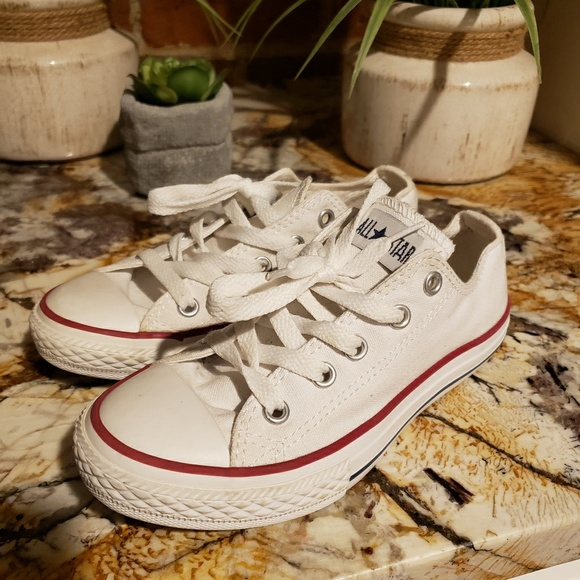 283785a2ff3d72 Converse Other - Girls Converse sneakers